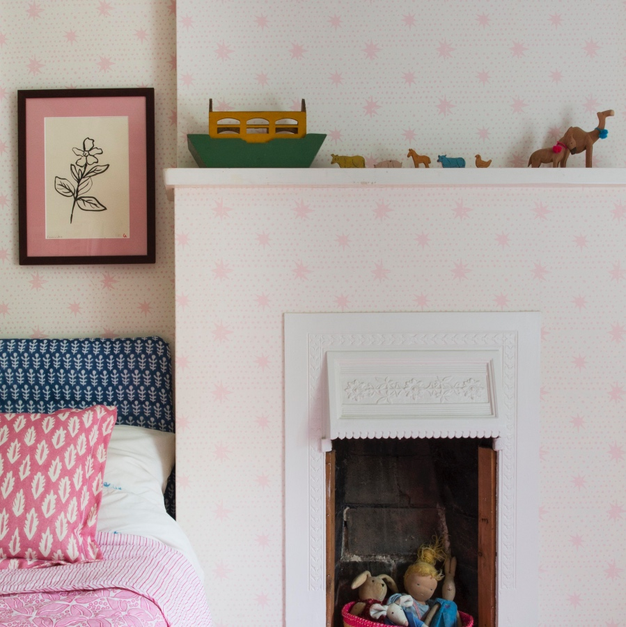 Molly Mahon Wallpaper Spot & Star Pink